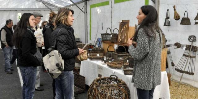 Les artisans ont volontiers discute avec le public